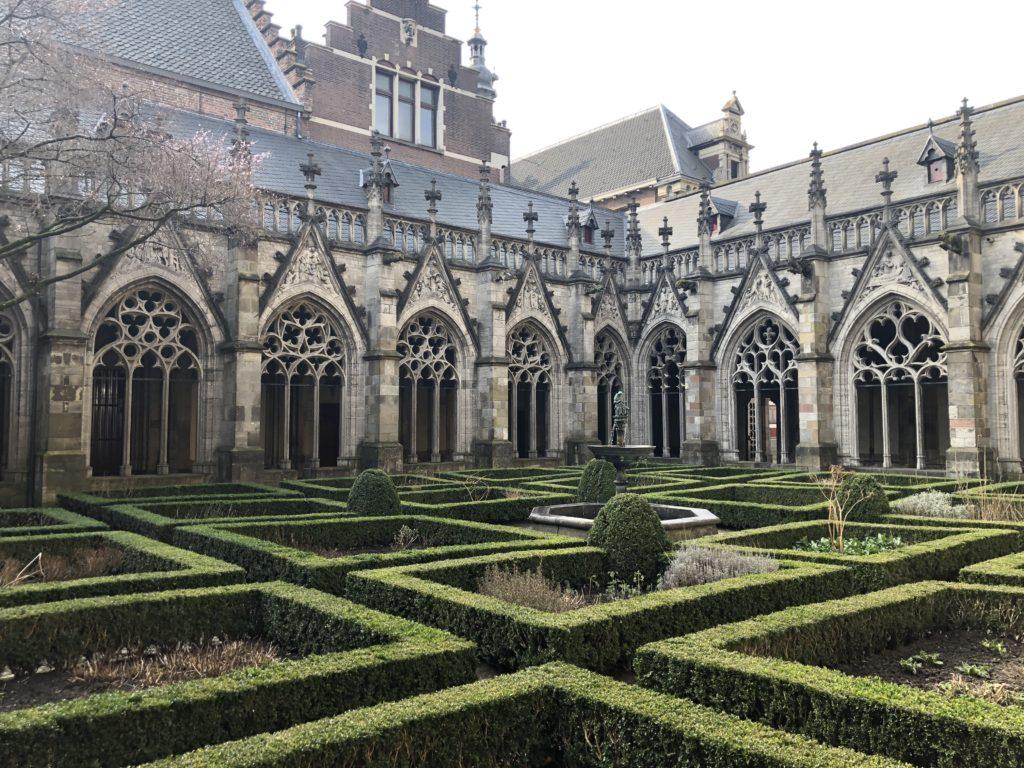 Utrecht, stad van de verborgen hofjes