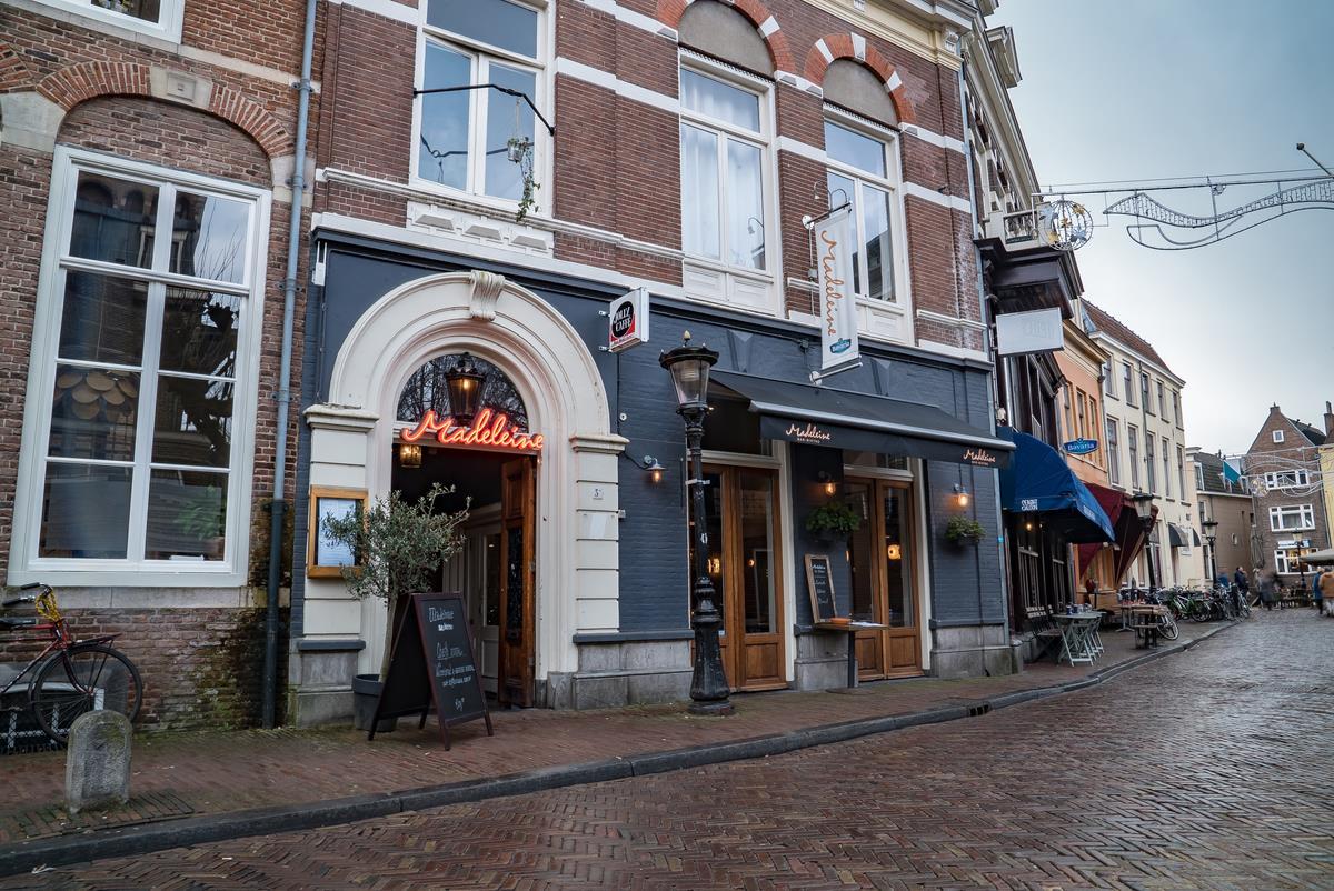 Madeleine op t Wed in Utrecht - foto: Madeleine.nl